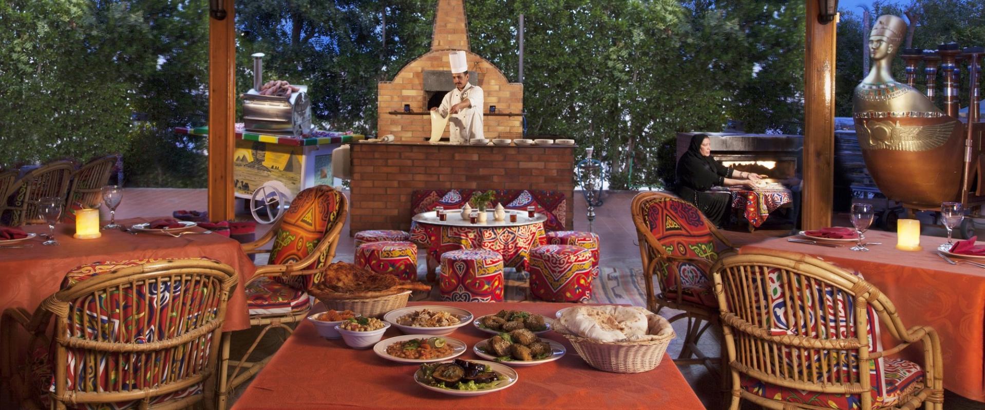 http://egypte.croisiere.voyage/wp-content/uploads/2016/11/HRG-SH-Hurghada-Isis-Oriental-Restaurant.jpg