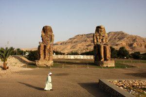voyage-egypte-croisiere-sur-le-nil-louxor-thebes-colosses-de-memnon-800