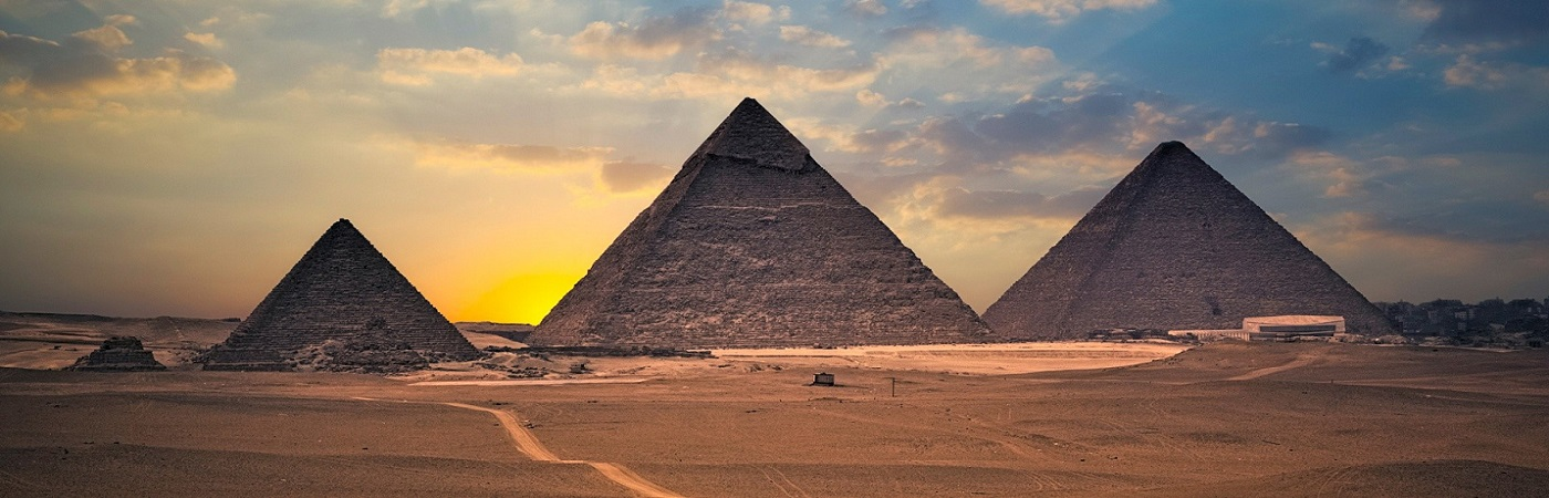 http://egypte.croisiere.voyage/wp-content/uploads/2016/11/voyage-egypte-croisiere-sur-le-nil-pyramides-guizeh.jpg